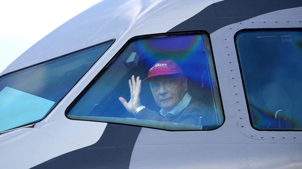 Schon in seiner Zeit als Rennfahrer erwarb Niki Lauda eine Pilotenlizenz