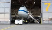 Die Boeing 747SP der Nasa im Hangar der Lufthansa Technik In Hamburg