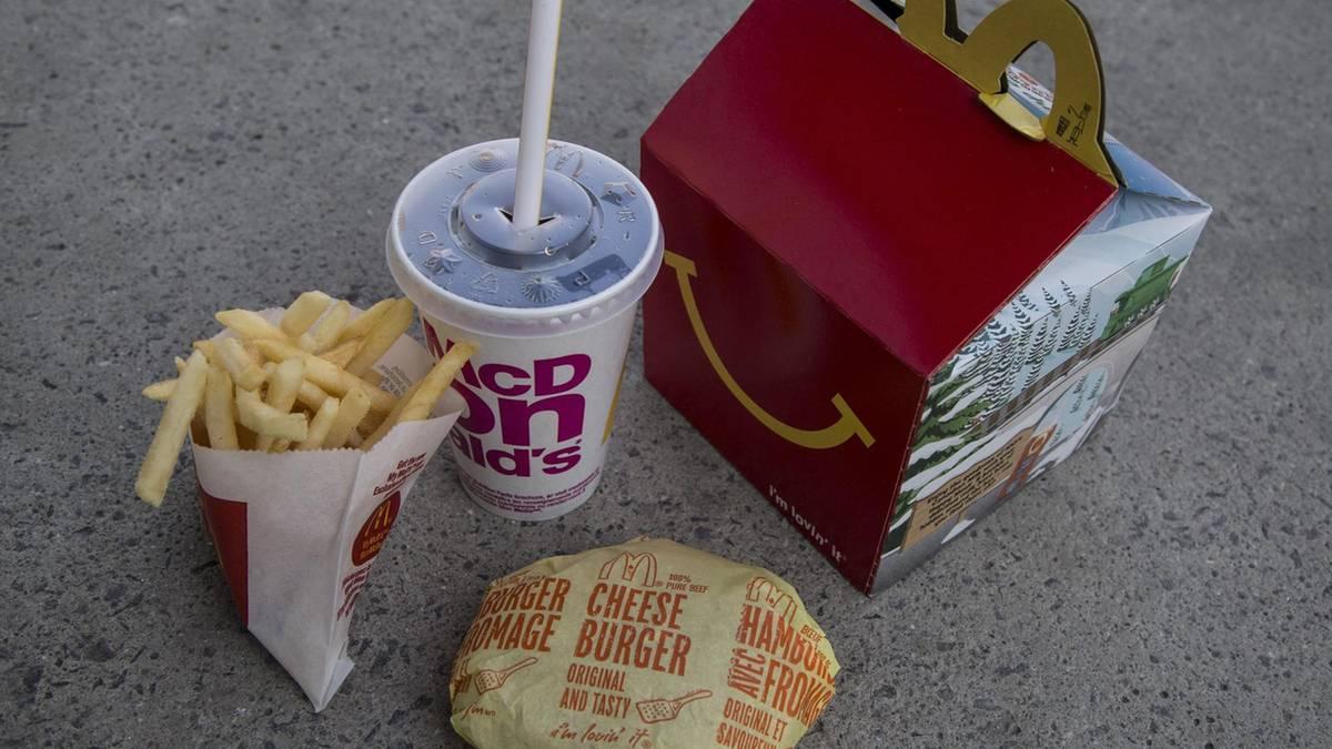 Mcdonalds Der Cheeseburger Fliegt Aus Dem Kinder Menü Sternde