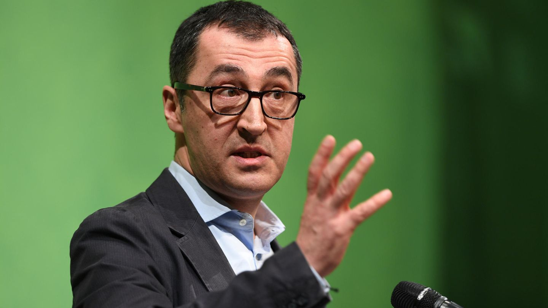 Cem Özdemir spricht beim politischen Aschermittwoch der Grünen