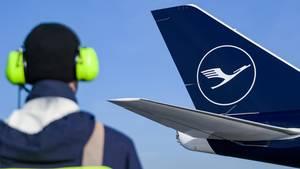 Lufthansa-Pilot gibt falschen Code ein und löst Alarm aus