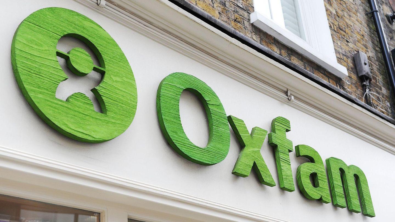 Oxfam-Skandal um Roland van Hauwermeiren: Der Oxfam-Schriftzug über einem Geschäft
