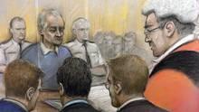 Die Verurteilung des früheren englischen Jugend-Fußballtrainers Barry Bennell (M.) vor dem Strafgerichtshof in Liverpool