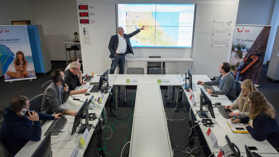 Tui-Krisenzentrum Deutschland mit Leiter Ulrich Heuer