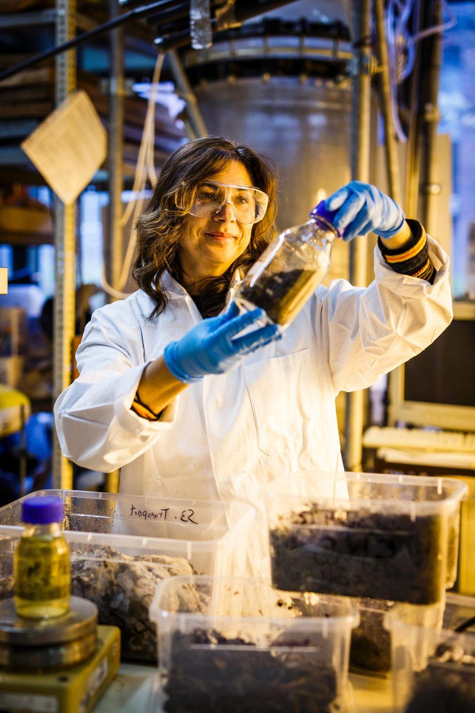 Wo andere vor Ekel wegschauen, sieht Wissenschaftlerin Ina Körner genau hin.