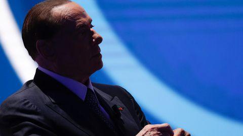Der Mann im Schatten mag den Schatten nicht: Silvio Berlusconi zieht im Mitte-Rechts-Bündnis die Fäden.