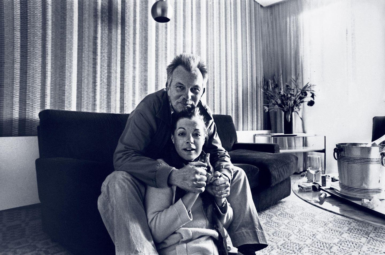 """Lebeck war Schneiders Lieblingsfotograf, ihr """"Lebo"""". Im Hotelzimmer mit Schampuskübel und Selbstporträt"""
