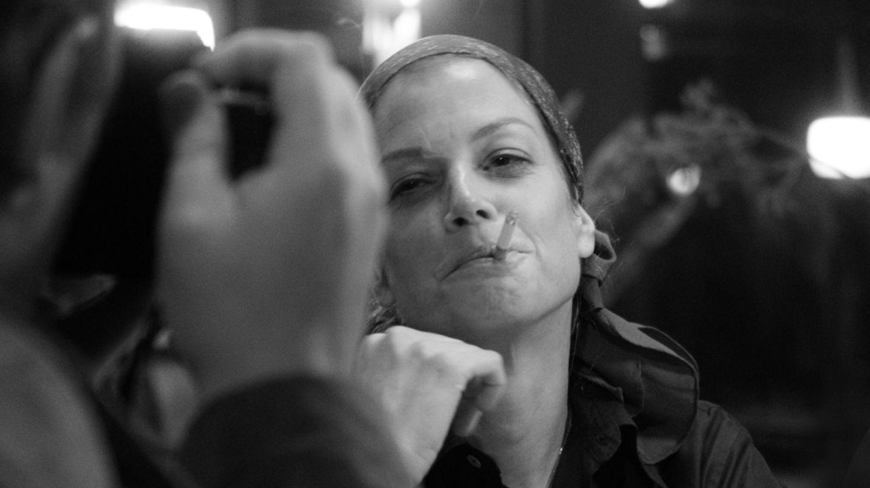 """Marie Bäumer als Romy Schneider – einfach perfekt. Charlie Hübner spielt den Robert Lebeck im schwarz-weißen Kammerspiel: """"3Tage in Quiberon"""""""