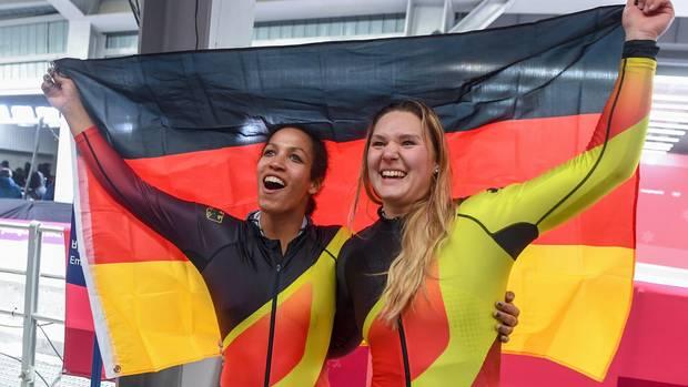 Jubel in Schwarz-Rot-Gold: Zweierbob-Olympiasiegerinnen Mariama Jamanka und Lisa-Marie Buckwitz