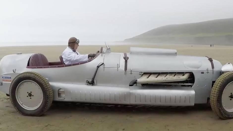 """Legendäre """"Spitfire"""": 631 PS: Bastler baut Weltkriegs-Flugmotor in Sportwagen ein"""