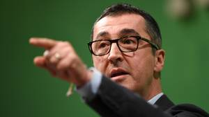 """Grünen-Politiker Cem Özdemir hat die AfD im Bundestag als """"Rassisten"""" bezeichnet"""