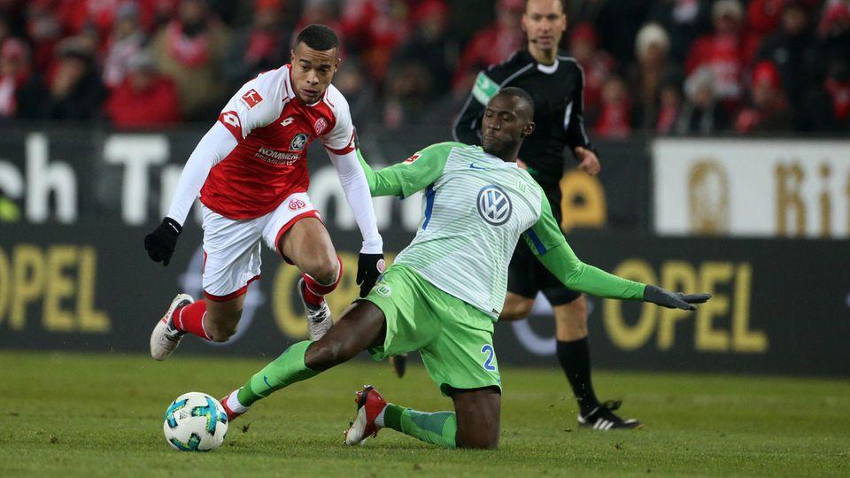 Die Bundesliga am Freitag: Abstiegskandidaten Wolfsburg und Mainz trennten sich unentschieden