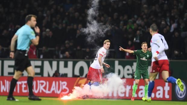 Wie sich die HSV-Anhänger beim Derby benahmen, war mehr als daneben