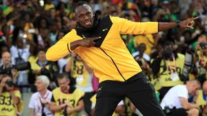 Usain Bolt zeigt seinen berühmten Blitz