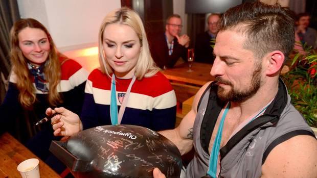 Yannic Seidenberg mit Lindsey Vonn im Deutschen Haus