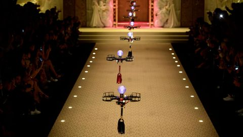 """Fliegende Handtaschen bei """"Dolce&Gabbana"""""""