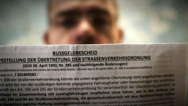 Bußgeldbescheide wegen einer Verkehrssünde im Ausland werden mittlerweile nach Hause an die deutsche Anschrift geschickt.
