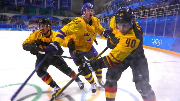 Franz Josef Wagner und die Eishockey-Männer