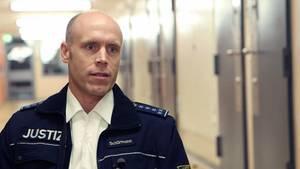 Stefan Schürmann beobachtet in der JVA Frankfurt, ob und wie sich Gefangene eventuell radikalisieren.