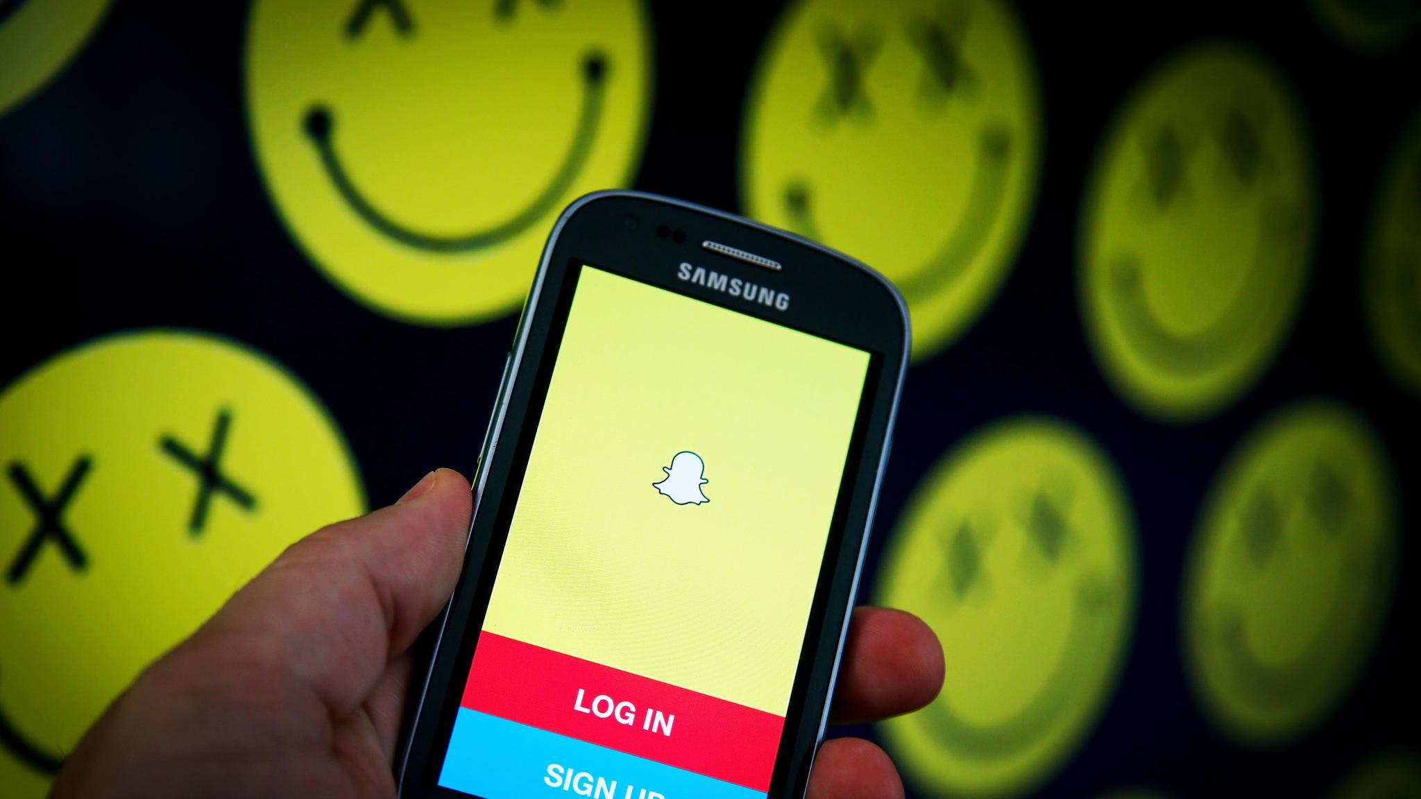 Snapchat Karte Voll.Snapchat Warum Sich Die Firma Zwischen Nutzern Und Geld