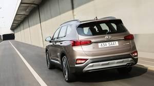 Hyundai Santa Fe 2.0 D - 135 kW / 182 PS und ein maximales Drehmoment von 397 Nm bringen ordentlichen Durchzug ohne sparsam zu s