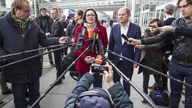 """""""Ohne Arbeitsteilung ginge es nicht"""": Andrea Nahles soll die Partei erneuern, Olaf Scholz als Finanzminister für gutes Regieren sorgen. Die beiden sind seit 20 Jahren befreundet"""