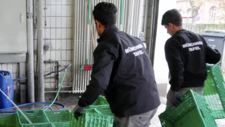 Essen für Bedürftige: So verhalten sich Flüchtlinge bei der Tafel in München