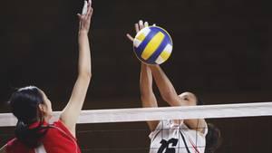 Die jungen Frauen befanden sich der Sammelklage zufolge auf dem Sprung zu einer Volleyball-Karriere