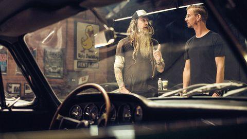 Joko Winterscheidt trifft Porsche-Sammler Magnus Walker in L.A.