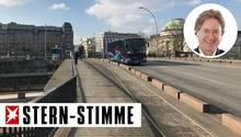"""Ein Gang über die """"Seufzerbrücke"""" am Glockengießerwall"""