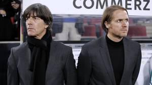 Joachim Löw und Thomas Schneider an der Seitenlinie WM 2018