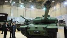 Die Türkei stellt ihren Altay Panzer bei der Internationalen Messe der Verteidigungsindustrie vor