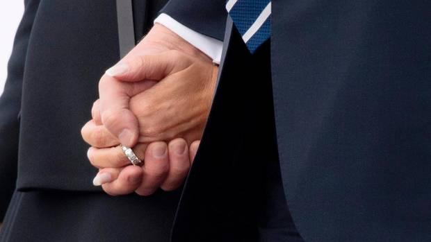 Donald Trump Melania Trump Hand 2