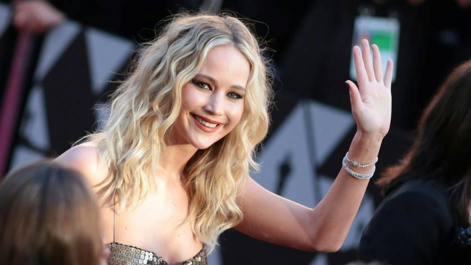 Jennifer Lawrence auf dem roten Teppich zur Oscar-Verleihung