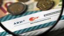 ARD und ZDF in der Diskussion - in politischer Debatte von Privaten nicht zu ersetzen