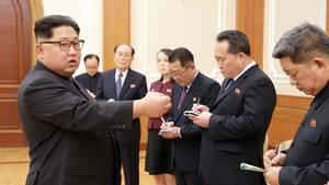Kim Jong Un begrüßt nordkoreanische Delegation, die die Olympischen Winterspiele in Pyeongchang besuchte