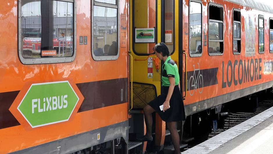 Flixbus testete Flixtrain mit einem Locomore-Zug