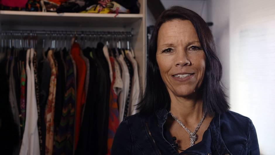 Britta Koeppen-Binsenhöfer mistet ihren Kleiderschrank aus. Auch sie will freiwillig mitsternTV eine Shopping-Diät machen - und hat wahrlich jetzt schon viel zu viel!
