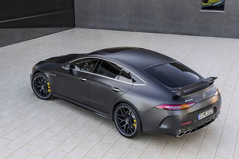 Mercedes AMG GT Coupé - gerade von hinten wirkt der Viertürer mächtig
