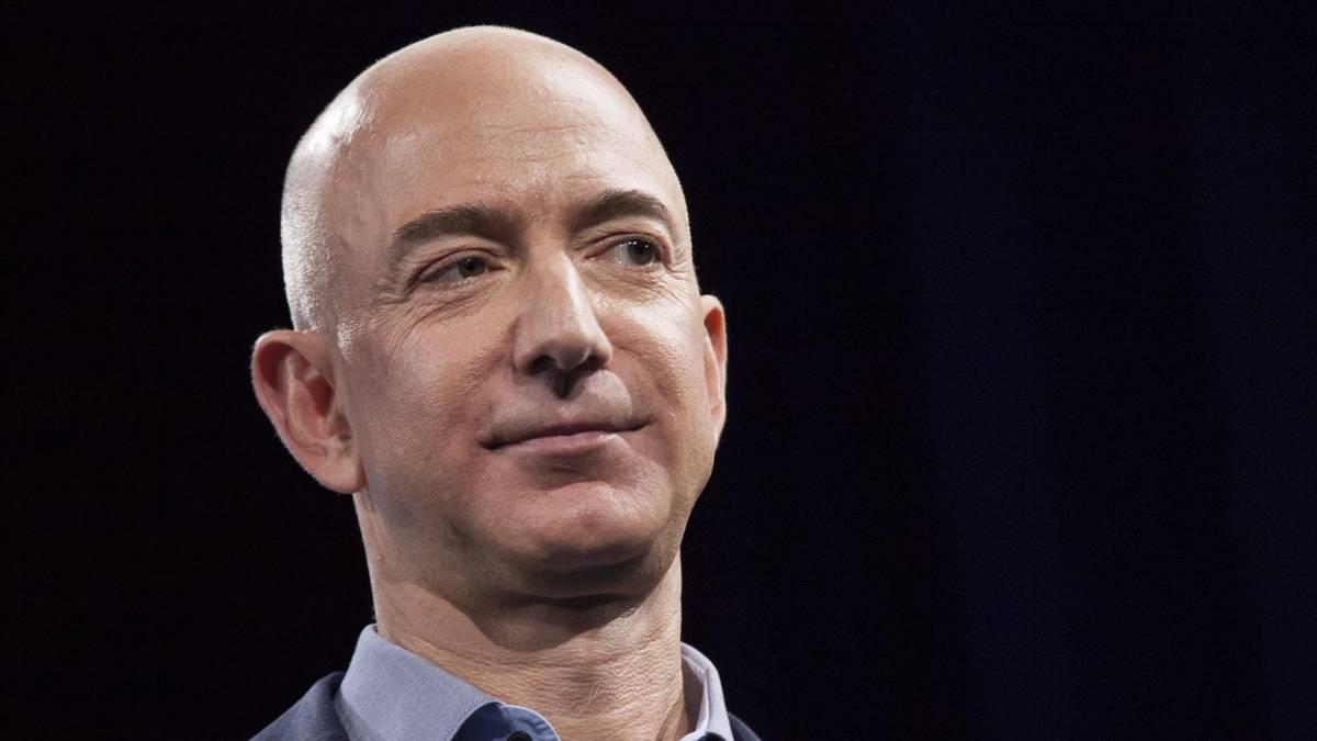 Forbes Amazon Chef Bezos überholt Gates Als Reichster Mensch Der