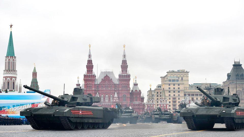 Der T-14 hat einen Ehrenplatz in der jährlichen Siegesparade in Moskau.
