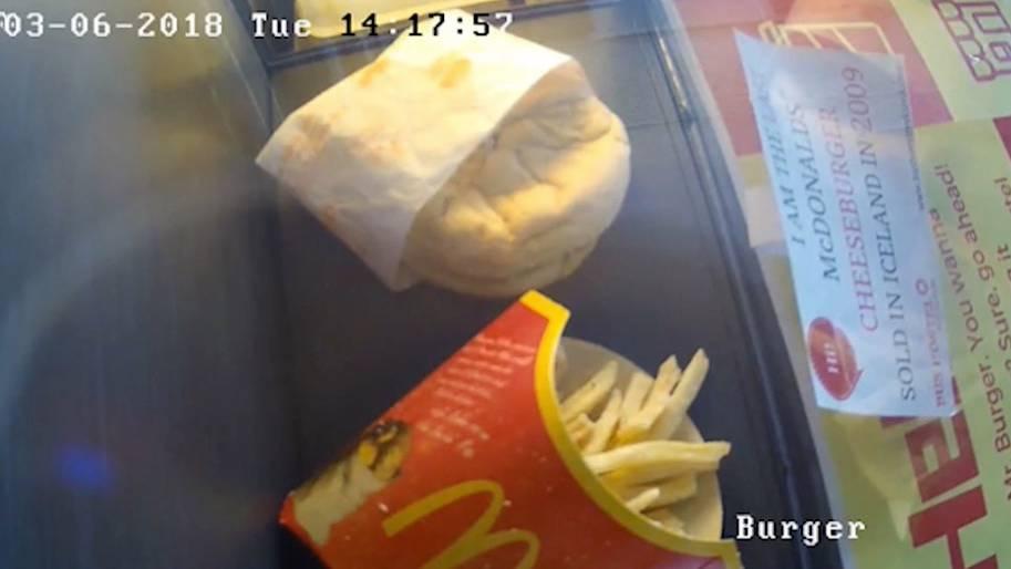 Von Schimmel keine Spur: Isländer kaufte vor acht Jahren dieses McDonalds-Menü - es hat sich nicht verändert