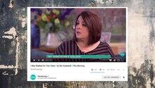 Eine Frau sitzt in einer englischen Fernsehsendung