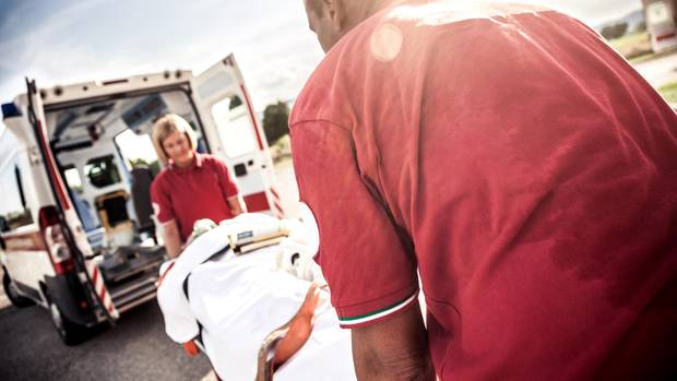Herzinfarkt: Sanitäter verabreicht sich Medikamentencocktail (Symbolbild)