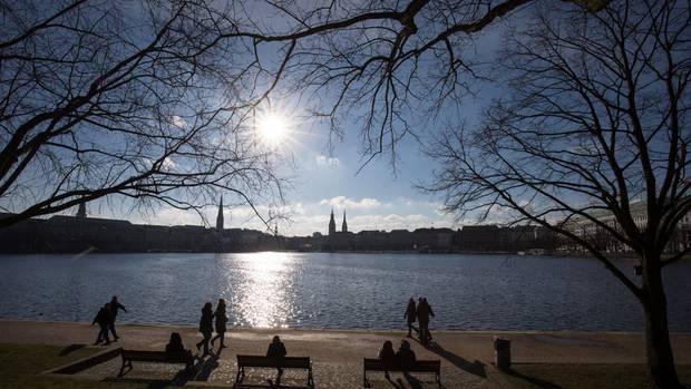Nachrichten aus Deutschland: Die Außenalster in Hamburg