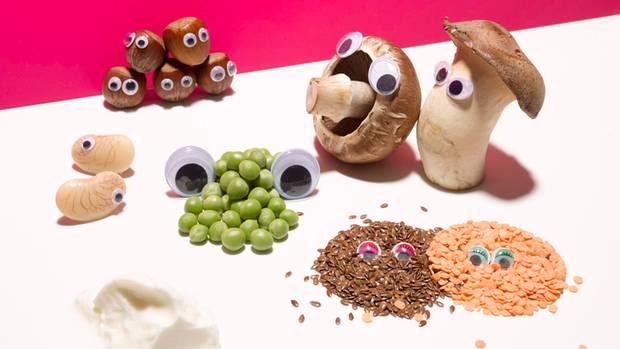 20 Aminosäuren reichen aus, um alle menschlichen Proteine zu bauen: Es sind bis zu 400.000, schätzen Wissenschaftler  34 Prozent geringer war das Sterberisiko bei Teilnehmern einer Studie, die statt tierischer Proteine mehr Pflanzeneiweiße verzehrten  19 Prozent der Berufstätigen essen mittags in einer Kantine  25 Prozent beträgt der Eiweißanteil in Hülsenfrüchten wie Linsen – auch Brokkoli enthält so viel Eiweiß (bezogen auf die Kalorien)