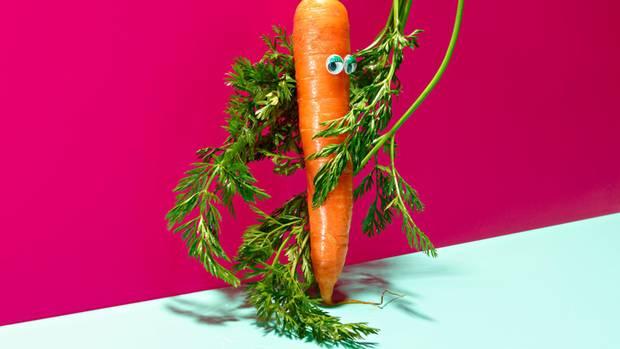 7,30 Euro bezahlten die Deutschen 2017 im Schnitt für ein Mittagessen außer Haus  85 Prozent der Verbraucher wünschen sich mehr Informationen zur Tierhaltung, etwa auf Fleisch- oder Wurstverpackungen  57 Prozent interessieren sich beim Einkaufen auch für den Nährwert eines Lebensmittels: Wie viel Fett, Zucker, Salz enthält es?  64 Prozent kaufen meist im Supermarkt ein  78 Prozent der Deutschen legen Wert auf Essen, das aus ihrer Region stammt