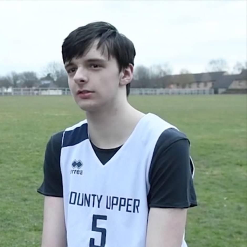 gutaussehender junge 16