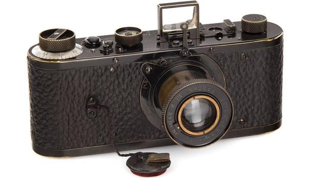 Ein Leica-Fotoapparat aus dem Jahr 1923 hat bei einer Auktion einen Rekordpreis von 2,4 Mio. Euro erzielt