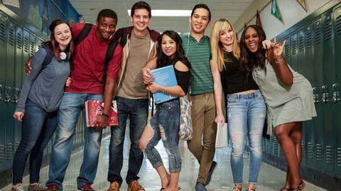 Geschickte Täuschung - den Schülerspionen merkt man die Verjüngungskur von fünf bis sieben Jahren nicht an.